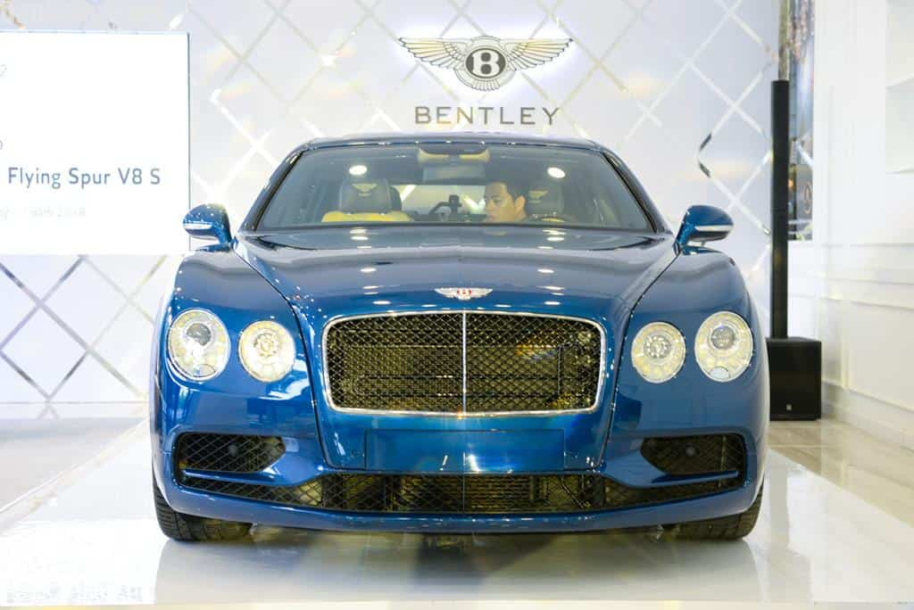 Chi tiet Bentley Flying Spur V8 S gia hon 16,8 ty dau tien tai VN hinh anh 2