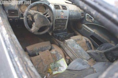 Kinh nghiệm nhận biết xe ô tô cũ bị thuỷ kích?